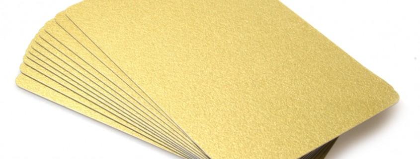 carti de vizita plastic auriu